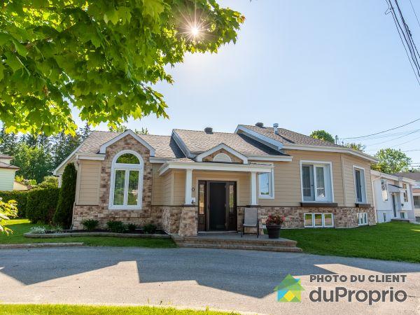 900, rue Dorion, Mont-Laurier à vendre