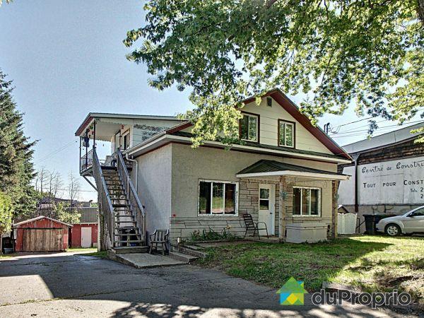 648-652-656, rue Boileau, Rivière-Rouge à vendre