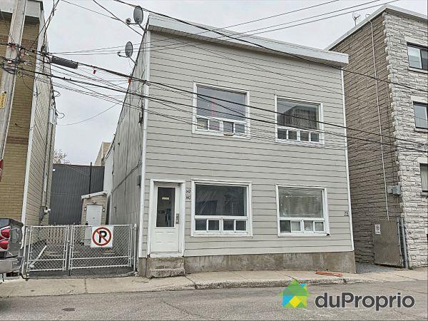 140-142-146, rue du Père-Arnaud, Saint-Sauveur à vendre