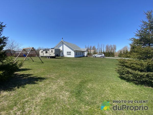 Side - 302 rue Centrale, St-Ulric for sale