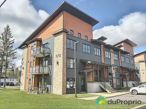 Outside - 301-1692 boulevard Pie-Xi N, Val-Bélair for sale