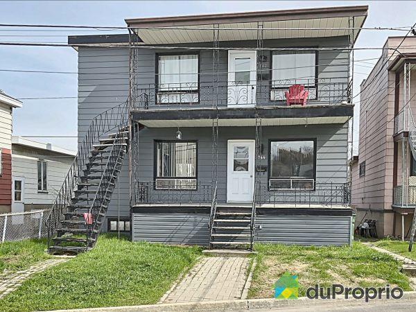 742-744, 122e Rue, Beauport à vendre