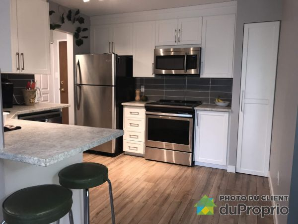 Kitchen - 303-50 rue Dussault, Gatineau (Hull) for sale