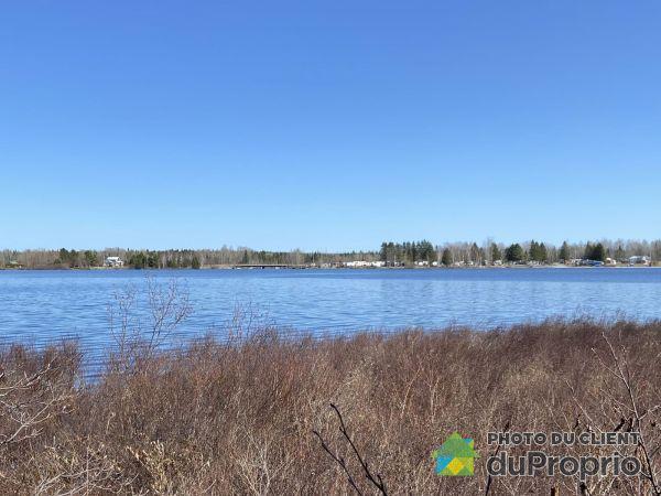 30 route du Lac, Lac-Frontiere for sale