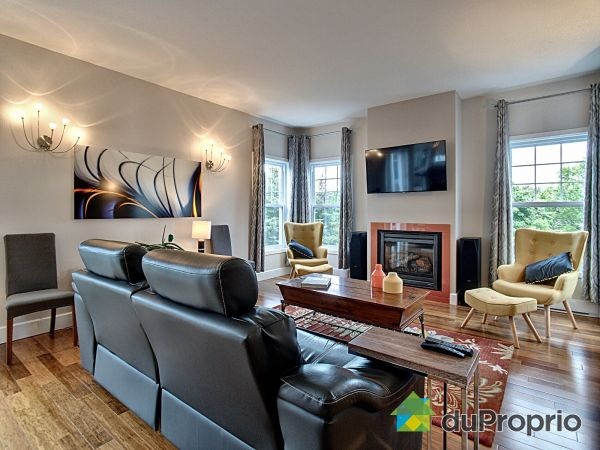 Living Room - 2762 rue Charles Baudelaire, Sherbrooke (Jacques-Cartier) for sale