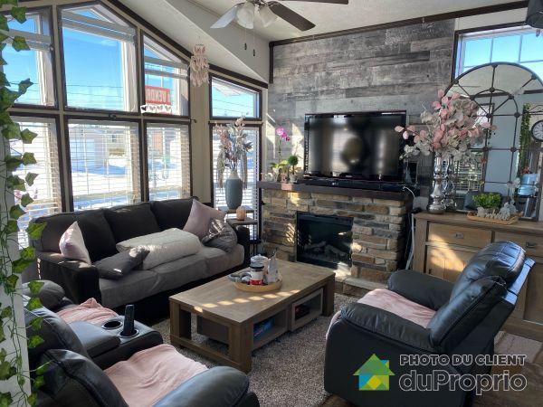 Living Room - 794 avenue Miami, St-Ambroise for sale