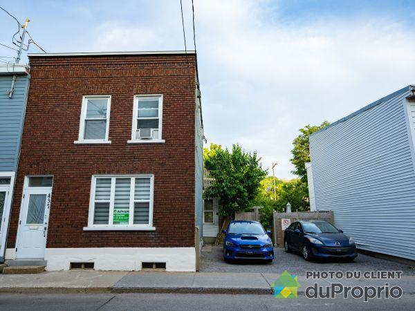 Summer Front - 437 rue Bagot, Saint-Sauveur for sale