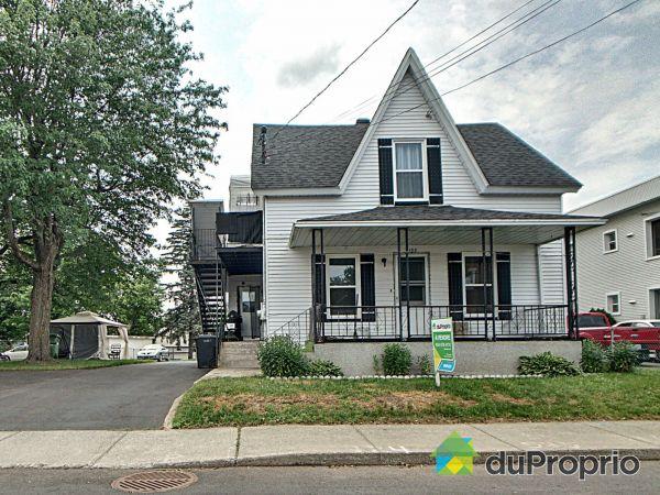 108A-108-110, rue Clarence, Granby à vendre