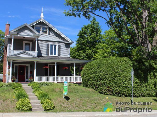 573, boulevard Queen-Victoria, Sherbrooke (Jacques-Cartier) à vendre