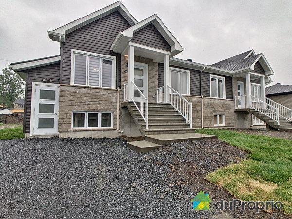 Front Yard - 2830 rue du Gouverneur, Drummondville (Drummondville) for sale