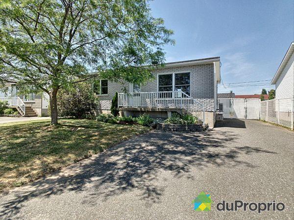 Front Yard - 5260 rue Genest, Drummondville (Drummondville) for sale
