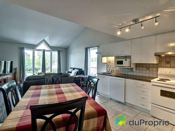 Eat-in Kitchen - 306-14625 rue Sherbrooke E, Pointe-Aux-Trembles / Montréal-Est for sale