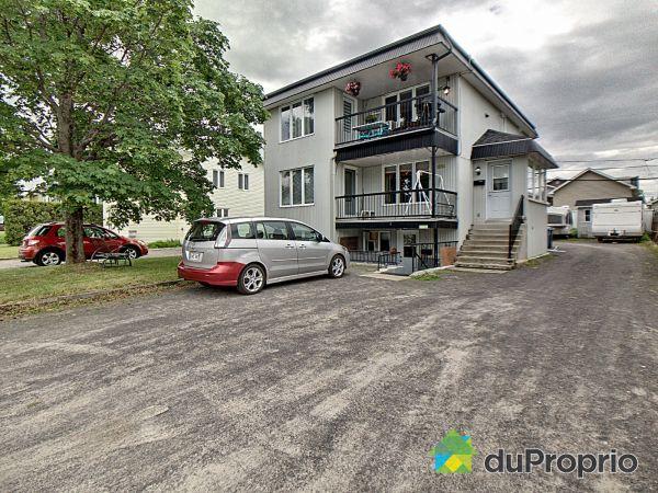 3739-3741-3743, rue Sainte-Ursule, Jonquière (Jonquière) for sale