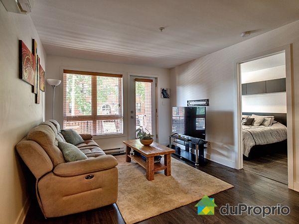 Living Room - 216-2700 rue de Rouen, Ville-Marie (Centre-Ville et Vieux Mtl) for sale