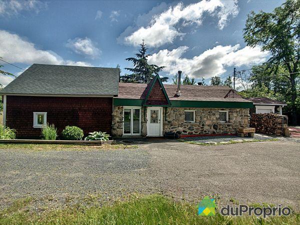 394 chemin Manville Ouest, Val-des-Sources for sale