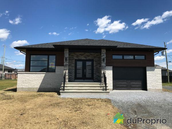 2365, rue Offenback - Par Construction HLI, Drummondville (Drummondville) à vendre