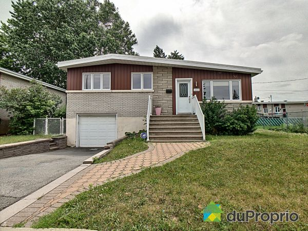 1051 croissant Dickens, Chomedey for sale