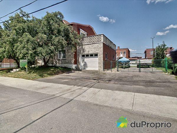 Balcon avant - 7965, rue de Chamilly, Saint-Léonard à vendre