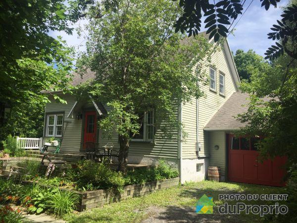 Summer Front - 60 rue Saint-Amand, Loretteville for sale