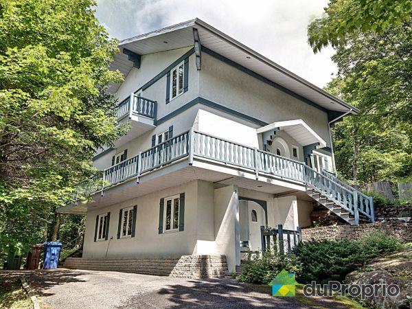34 chemin de la Passerelle, Lac-Beauport for sale