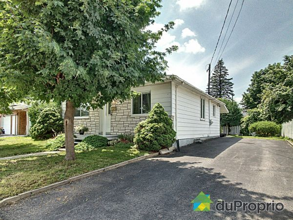Side View - 581 rue Brault, Longueuil (Vieux-Longueuil) for sale