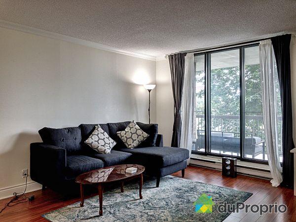 Living Room - 302-11015 boulevard Cavendish, Saint-Laurent for sale