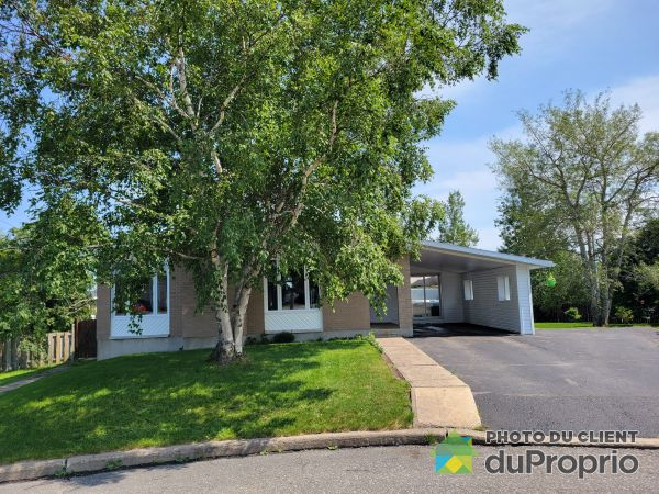 Summer Front - 10 rue Chapdelaine, Port-Cartier for sale