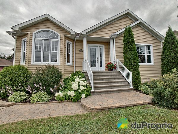 1365 rue Marie-Simard, St-Félicien for sale