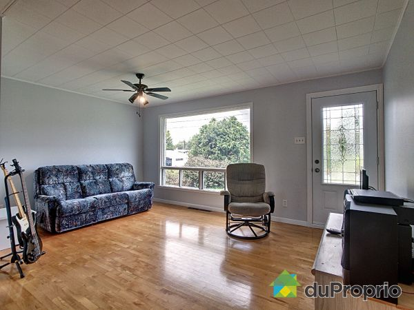 Living Room - 313 rue Gagnon, Lac-Etchemin for sale
