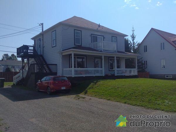 32, rue Lacroix, Carleton-sur-Mer à vendre
