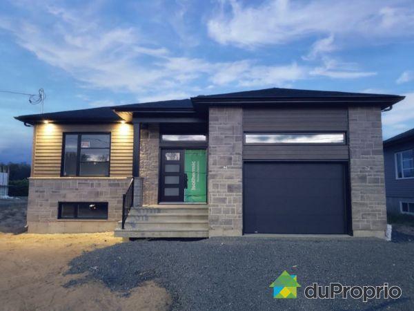 670 rue Joseph-Carmel - Par Construction Desmarais, ND-Du-Bon-Conseil for sale