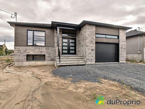 670, rue Joseph-Carmel - Par Construction Desmarais, ND-Du-Bon-Conseil à vendre