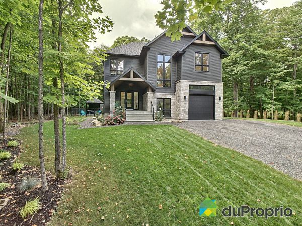15 rue Jeanne-Mance, Bromont for sale
