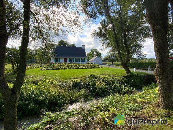 Front Yard - 1118 chemin Royal, Ile d'Orléans (St-Pierre) for sale