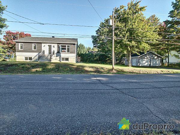 660, rue Généreux, Drummondville (St-Charles-De-Drummond) à vendre