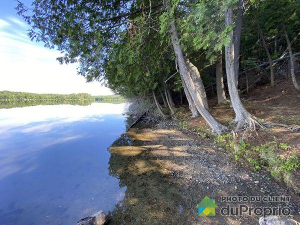 Bord de l'eau - chemin des Guides - Développement Eagles Ridge, Rivière-Rouge à vendre