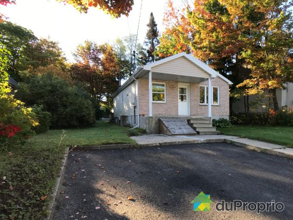 1385 rue Galier, Val-Bélair for sale
