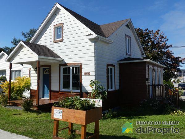 Vue côté - 304, rue Saint-Pierre, Rimouski (Rimouski) à vendre