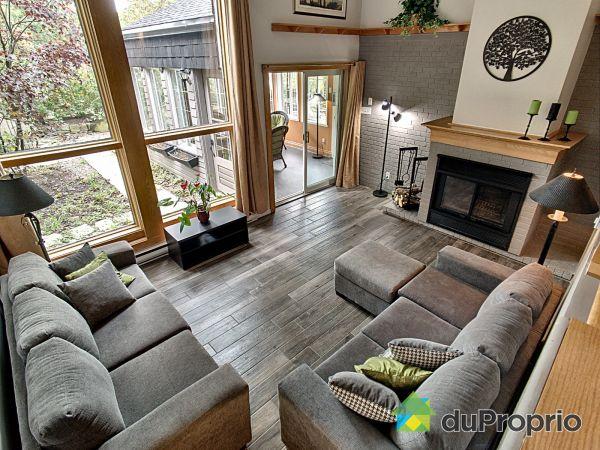 Living Room - 682 rue Roger, Ste-Julie for sale