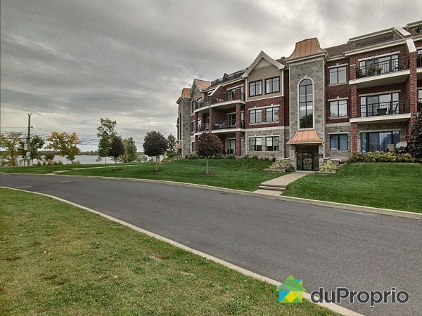 203-530 rue Martel, Chambly for sale