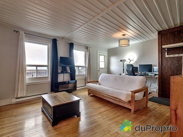 Living Room - 480 rue Burton, St-Jean-Baptiste for sale