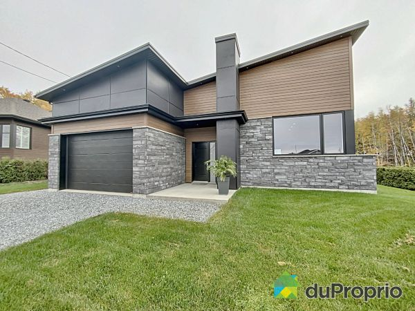 994 rue André-Giguère, Ste-Marie for sale