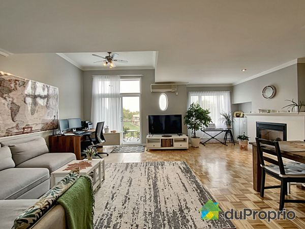 Apartment Living Room - 302-9276 rue Centrale, LaSalle for sale