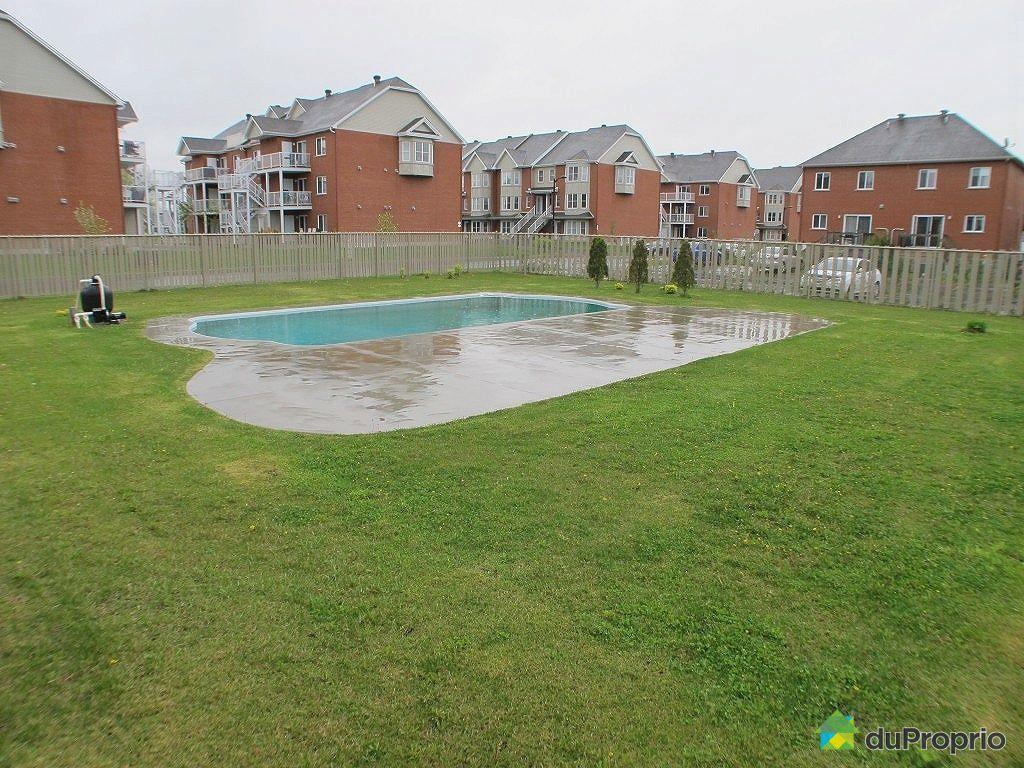 Condo vendre brossard 7 7145 rue chardonneret for Brossard piscine