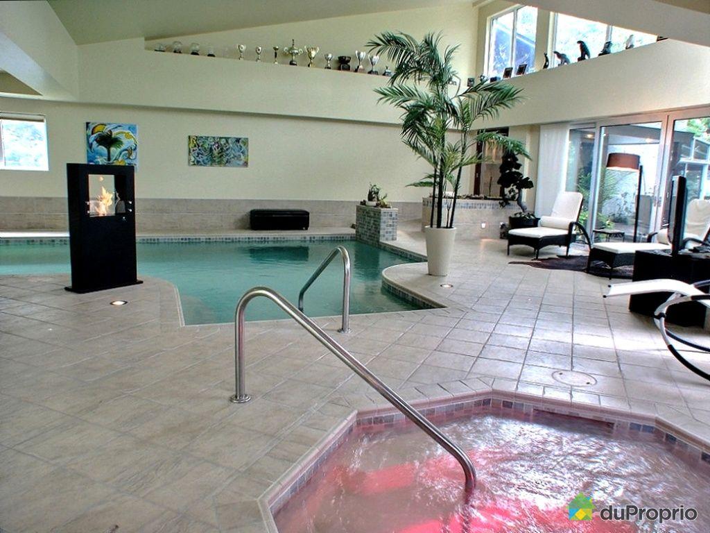 Maison a vendre avec piscine interieur for Golf interieur quebec