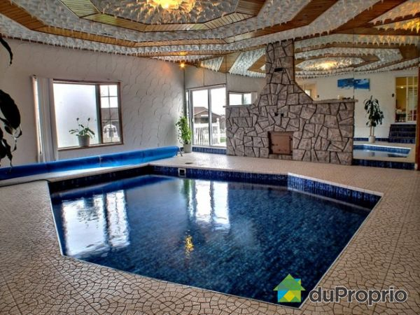 domaine et villa vendu gatineau immobilier qu bec duproprio 292286. Black Bedroom Furniture Sets. Home Design Ideas