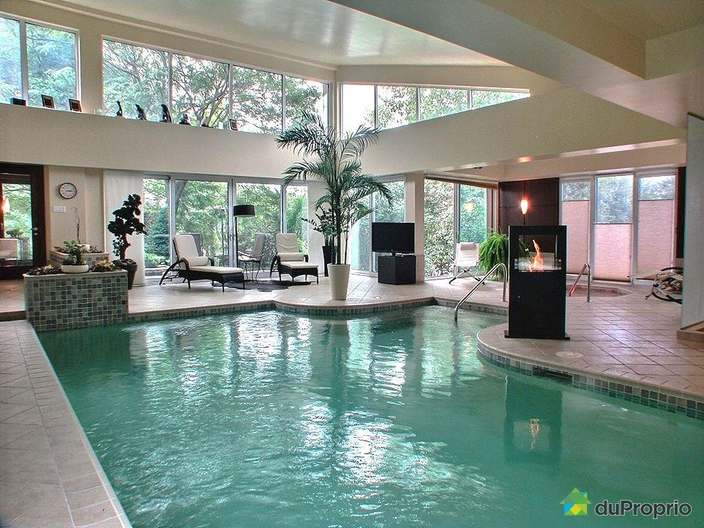Domaine et villa vendre louiseville 391 rue clermont for Piscine interieure maison prix
