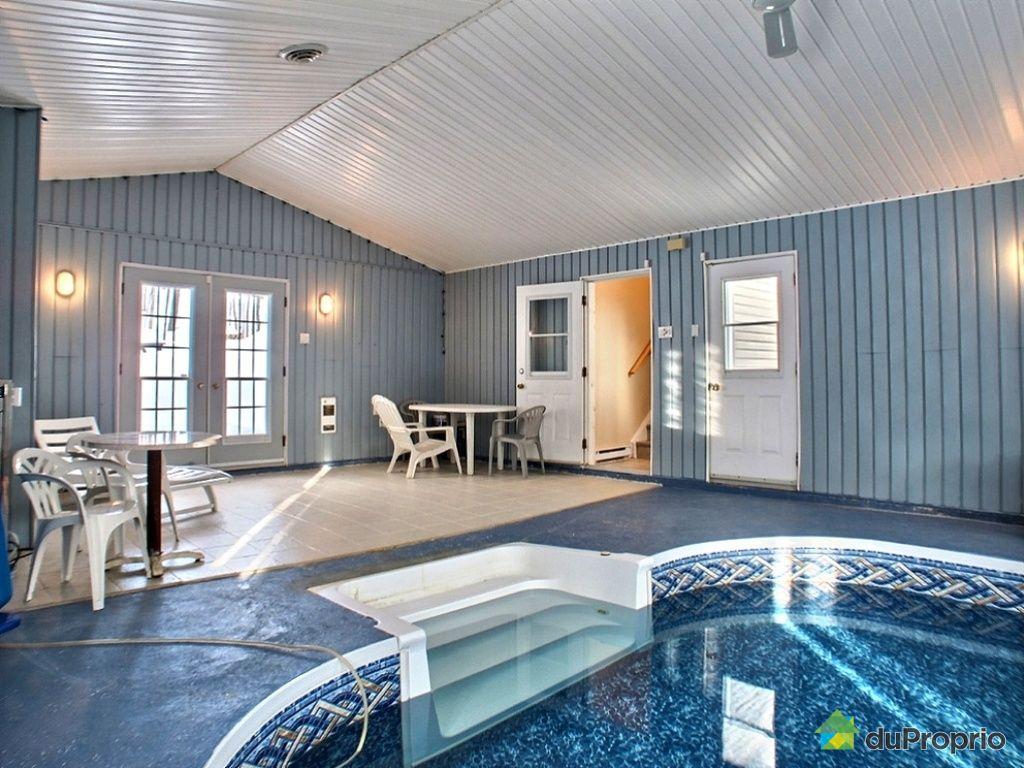 Maison avec piscine interieure a vendre quebec for Piscine ambiance brive