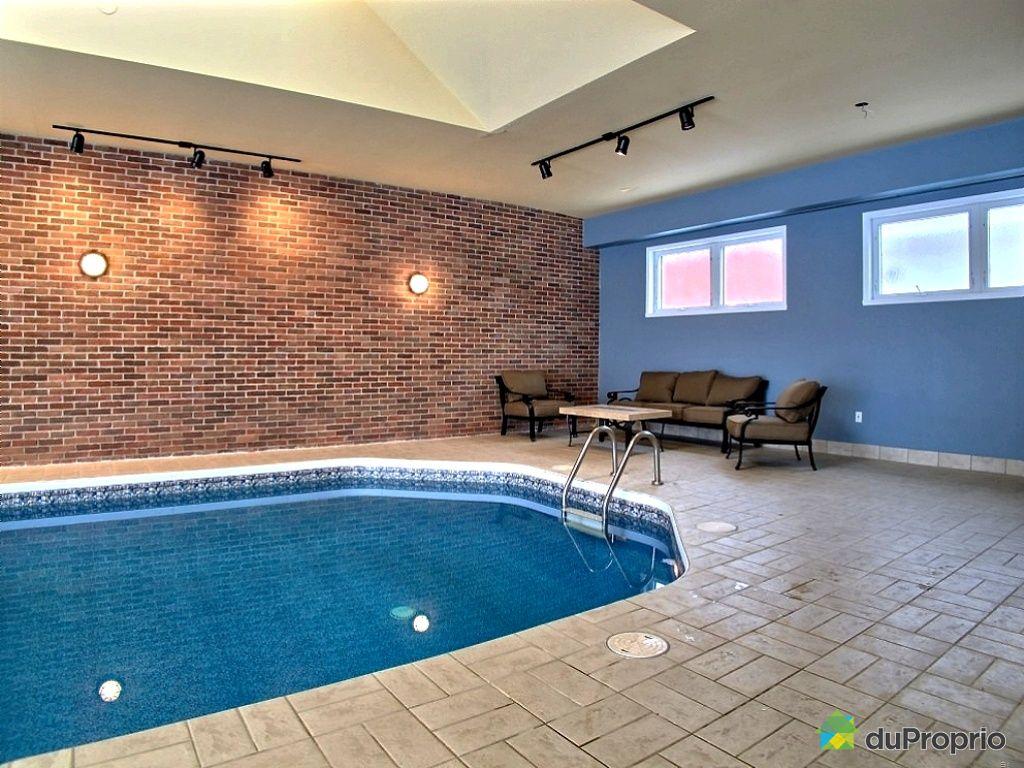 Maison a vendre interieur - Residence avec piscine interieure ...