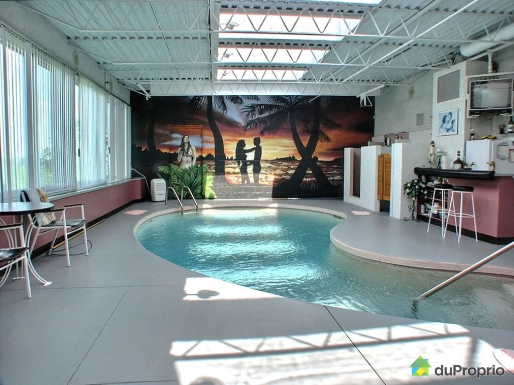 D co piscine interieure sous verriere clermont ferrand for Piscine creusee interieure